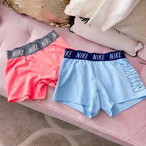 Set of 2 Nike shorts